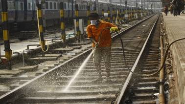 Railways looks to fast track work on 500 pending projects