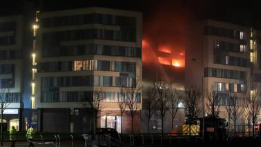 As many as 1400 cars destroyed in the UK after fire in multi-storey car parking