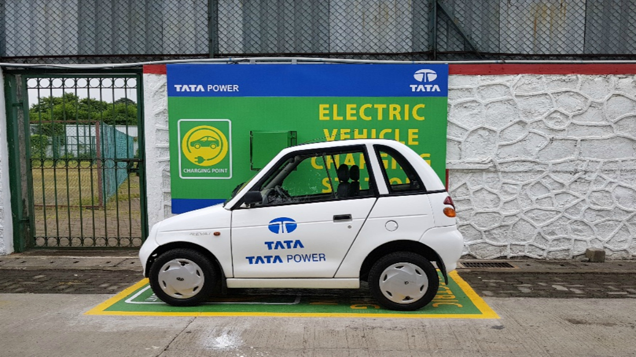 Mumbai gets 2 more electric vehicle charging stations