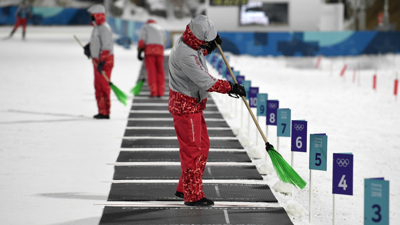 Biathlon – Pyeongchang 2018 Winter Olympics – General Training – Alpensia Biathlon Centre - Pyeongchang, South Korea – February 8, 2018 - Cleaning of the shooting range. (Reuters)