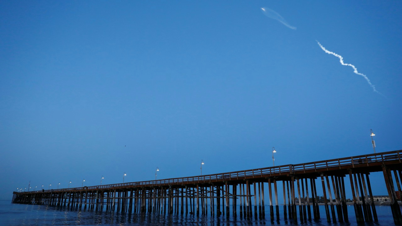 The SpaceX Falcon 9 rocket carrying a PAZ Earth Observation satellite is launched from Vandenberg Air Force Base (AFB) as seen over the Ventura Pier in Ventura, California, US (Photo: Reuters)