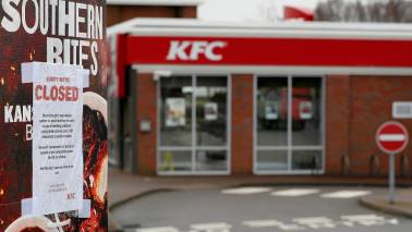 KFC's clever ad to say sorry for 'running out of chicken' in its 700 restaurants is a lesson in PR