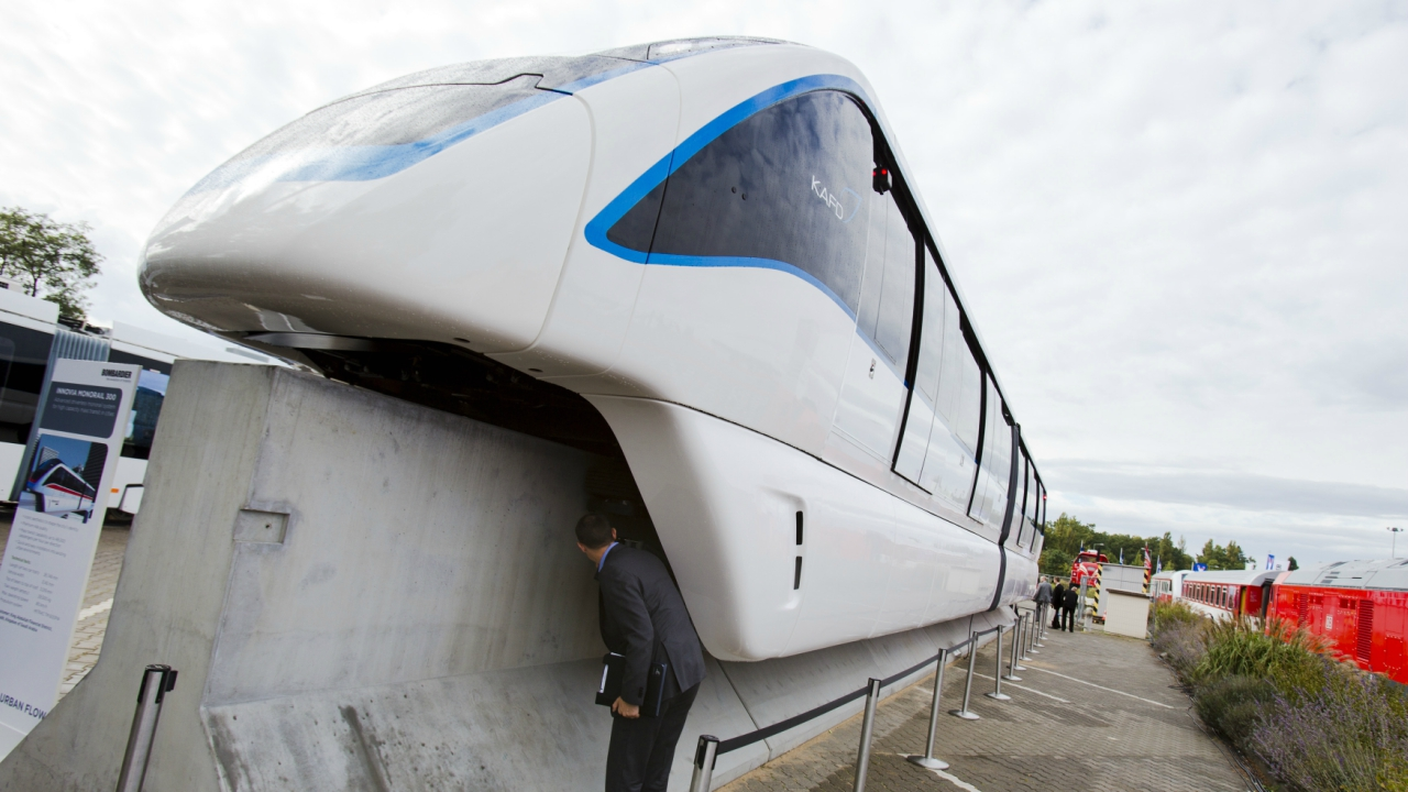 Monorail | As of now, Phase I, Chembur – Wadala Depot, of the monorail is opeartional and Phase II, Wadala Depot – Jacob Circle is under construction. (Image Courtesy: Reuters)