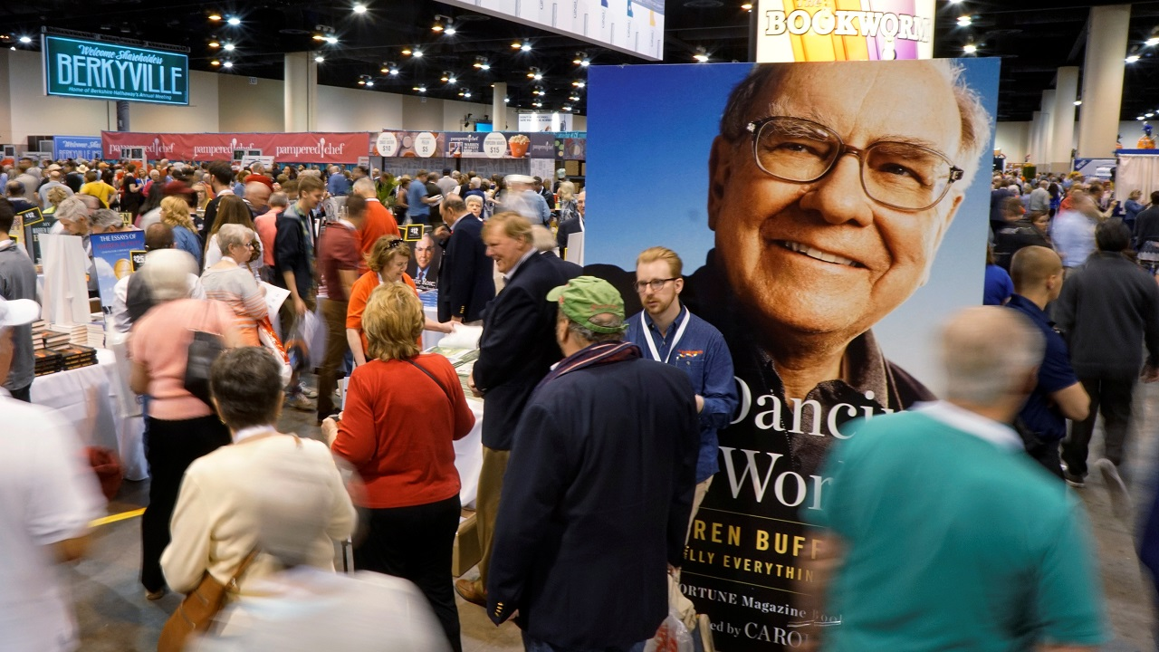 The event is marked by the attendance of scores of Warren Buffett admirers who line hours before the investment guru's and Berkshire CEO Warren Buffett's speech