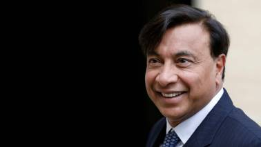 Lakshmi Mittal 's global empire: An asset or a liability in his Essar Steel bid?