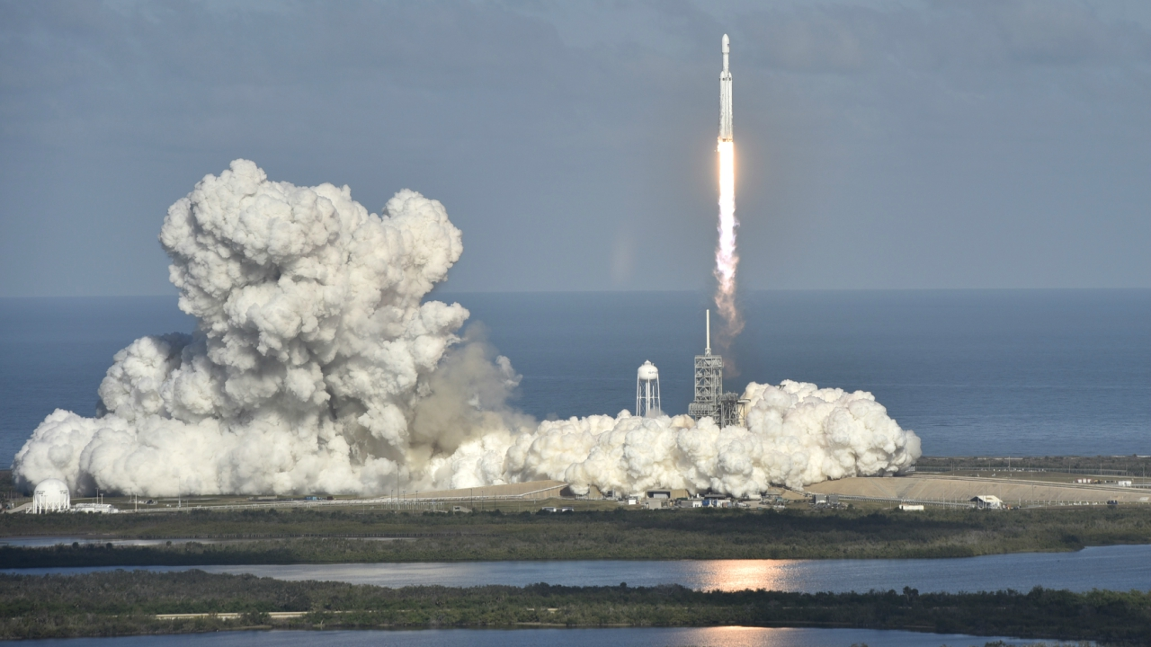 At least 2,000 spectators cheered the blastoff from a campground near Cocoa Beach, 5 miles (8 km) from the space centre. (Image Courtesy: Reuters)
