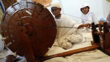 Rani in Khadi: Kangana to don heritage fabric in Manikarnika