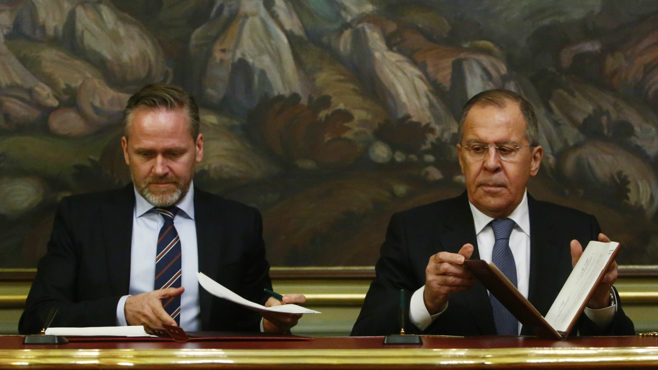 Russian Foreign Minister Sergei Lavrov and Danish Foreign Minister Anders Samuelsen attend a signing ceremony following their meeting in Moscow, Russia. (Reuters)