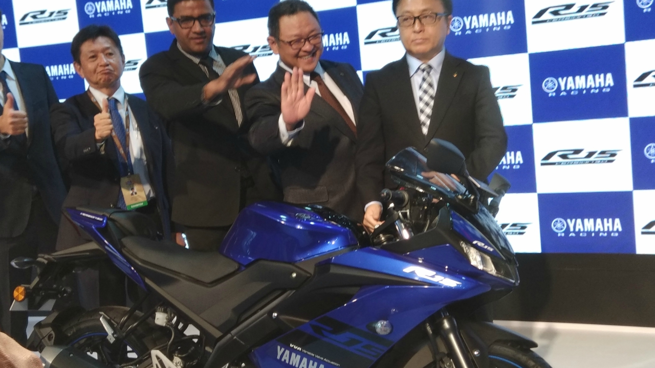 Yamaha's new R15 has a 155cc liquid -cooled engine that generates peak power of 19.3 ps. It was launched in the Auto Expo at Rs 1.25 lakh. (Moneycontrol)