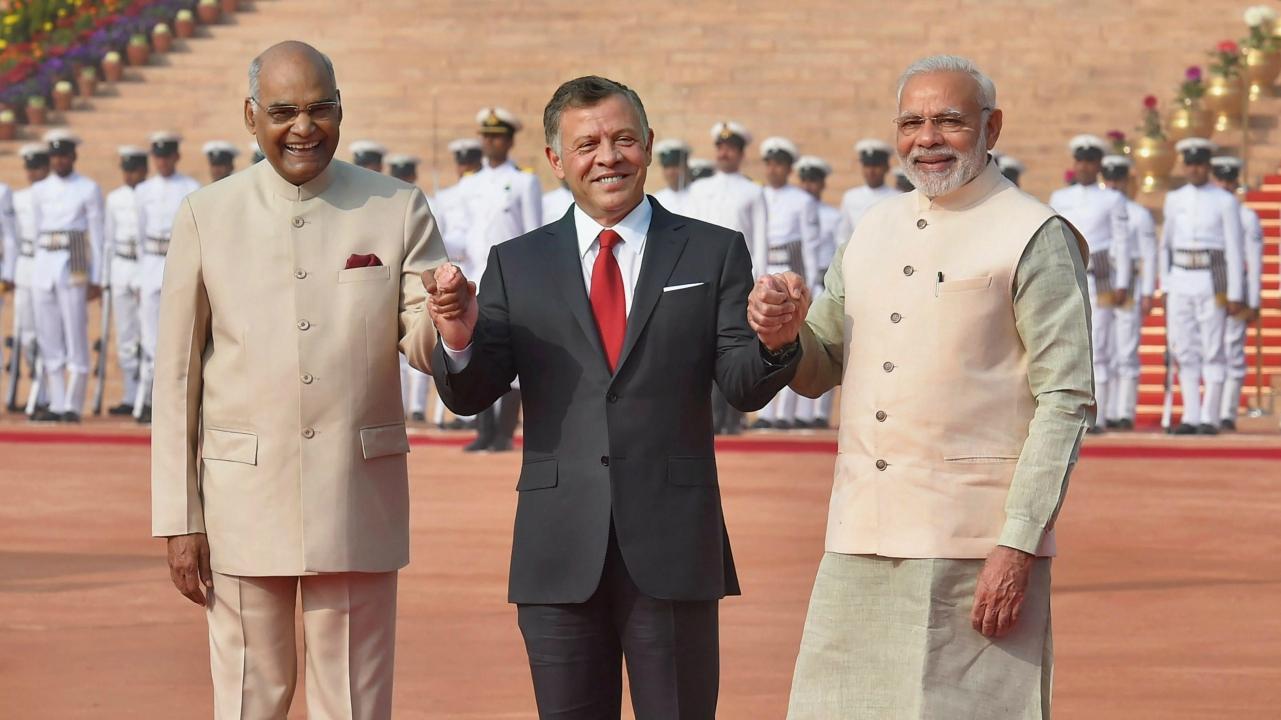 President Ram Nath Kovind with Jordan King Abdullah II bin Al-Hussein and Prime Minister Narendra Modi pose for a photograph during the ceremonial reception at Rashtrapati Bhawan in New Delhi. (PTI)