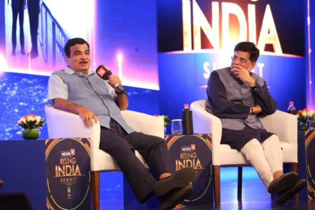 Union Minister of Railways and Coal Piyush Goyal (R), and Union Minister of Road Transport and Highways Nitin Gadkari at the Rising India Summit. (Image: News18)
