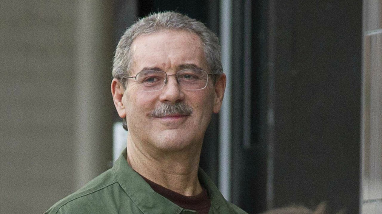 Who: Allen Stanford | CEO, Stanford Financial Group | Peak value: Rs 13,060 crore | His present net worth is unavailable | Stanford lost his money to pay Rs 38,394 crore as penalty after being convicted for running a Ponzi scheme and fraud (Image: Reuters)