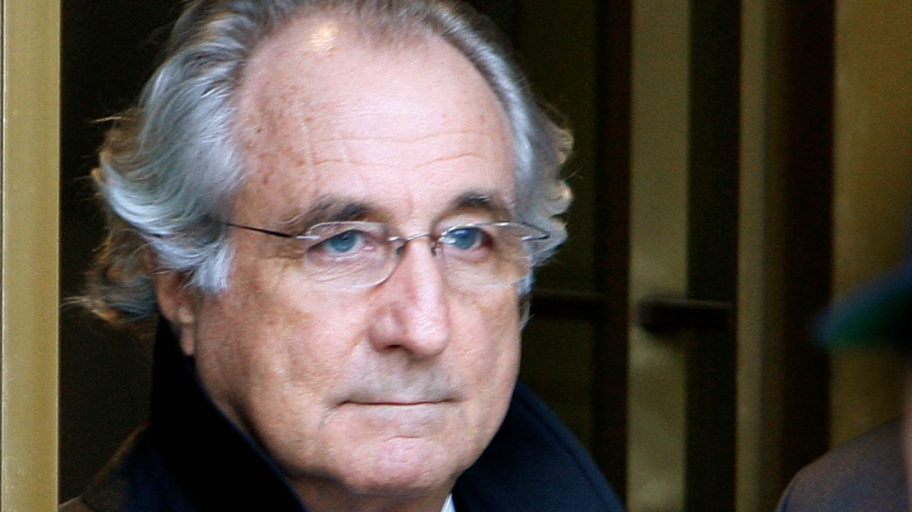 Who: Bernard Madoff | Stockbroker | Peak value: Rs 1,10,849 crore | Madoff and his wife has a net worth Rs 839 crore as of 2009 | Madoff's assets were forfeited after he admitted to run a ponzi scheme estimated Rs 4,21,494 crore (Image: Reuters)