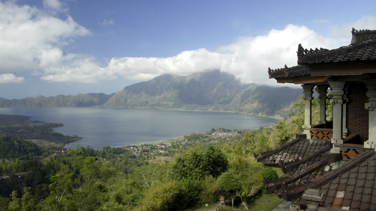 "Bali, Indonesia | A couple can live at this popular island for $1,671 a month, according to Live and Invest Overseas. Kathleen Peddicord, the magazine's publisher,, says ""Bali can be an easy place to make friends and, for all the reasons I've mentioned, a difficult place to leave."" (Photo: Reuters)"