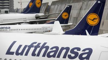 Lufthansa eyes stable margins, mid single-digit revenue growth in 2019