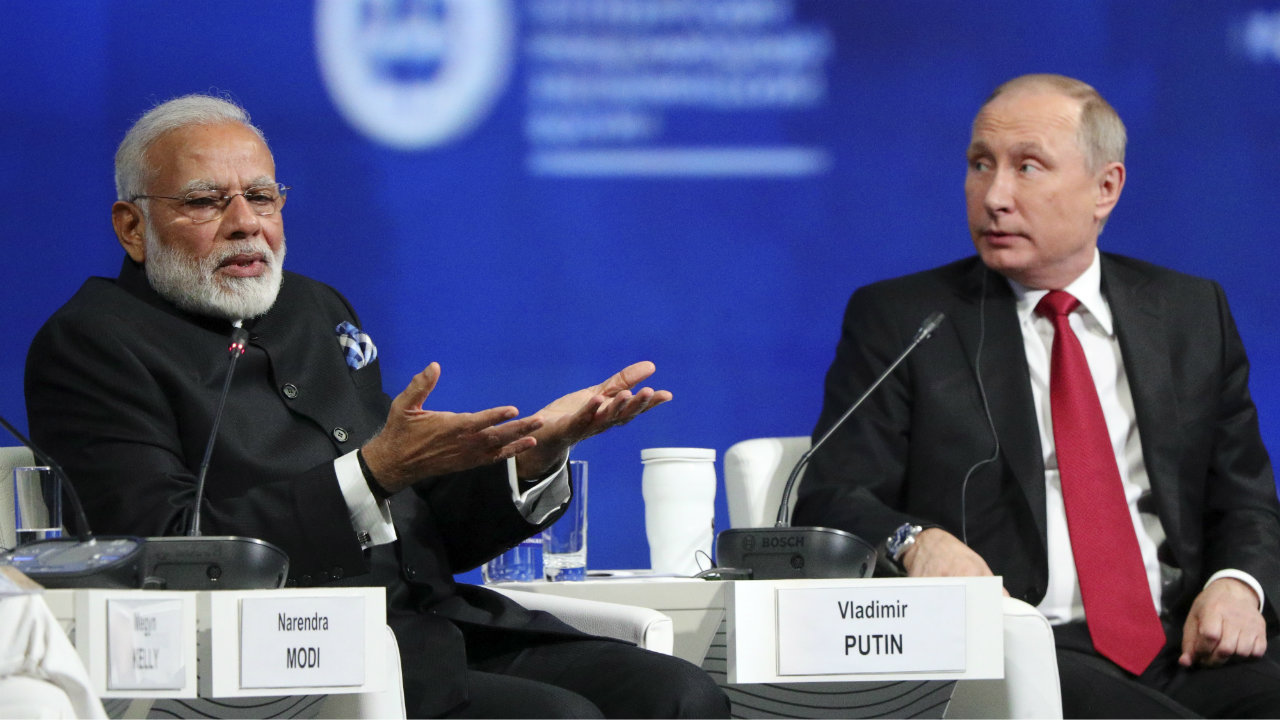 Russian President Vladimir Putin and Indian Prime Minister Narendra Modi attend a session of the St. Petersburg International Economic Forum (SPIEF), Russia. (Reuters)