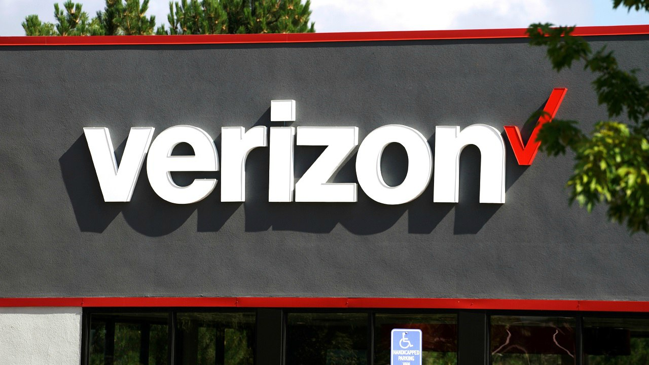 Verizon Communications acquires Verizon Wireless | Year: 2013 | Deal size: USD 130 billion | Vodafone Group agreed to a proposal by Verizon Communications to allow it to acquire its US wireless business, ending a 14-year tense partnership. (Image: Reuters)