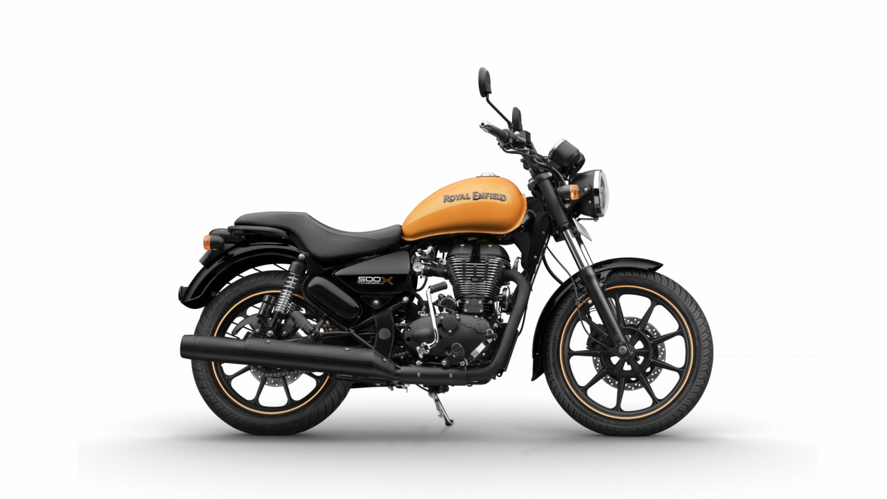 *Complementing the Thunderbird X motorcycles, Royal Enfield introduced a small gear capsule celebrating the spirit of bold urban expressionists