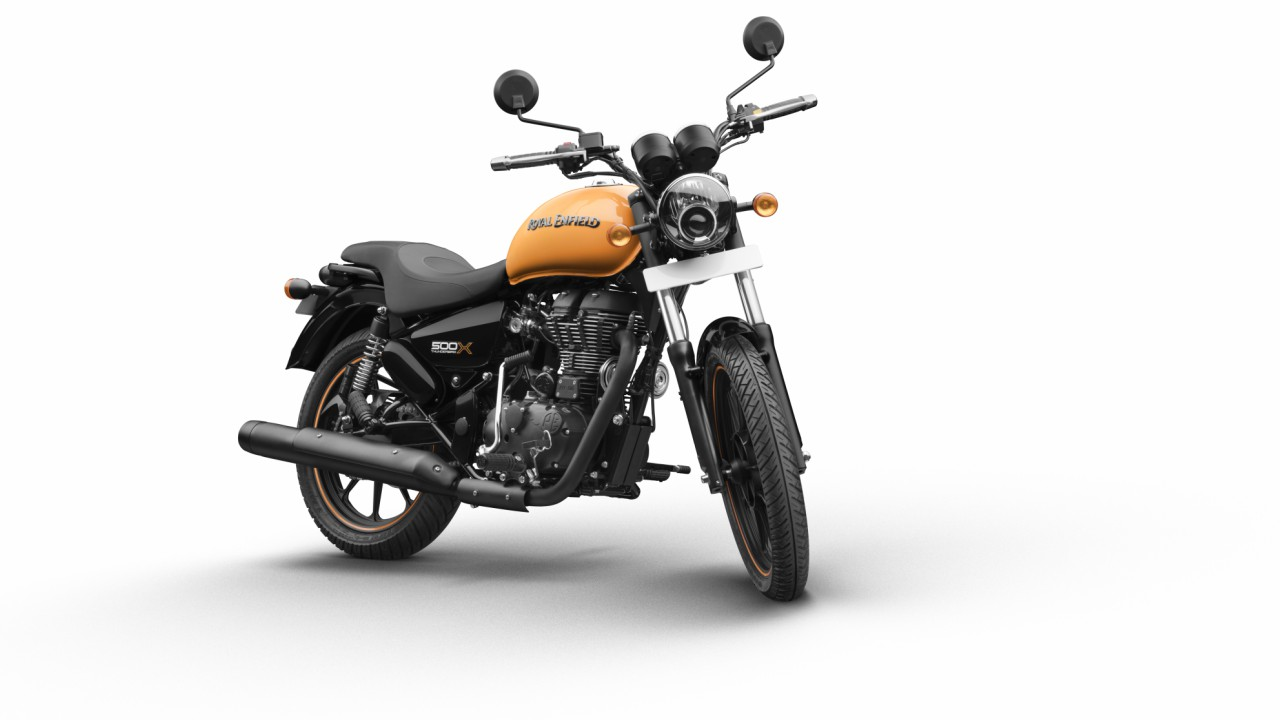 *The 'gunslinger' styled seat coupled with the new grab-rail and shortened rear mudguard creates custom style statement.