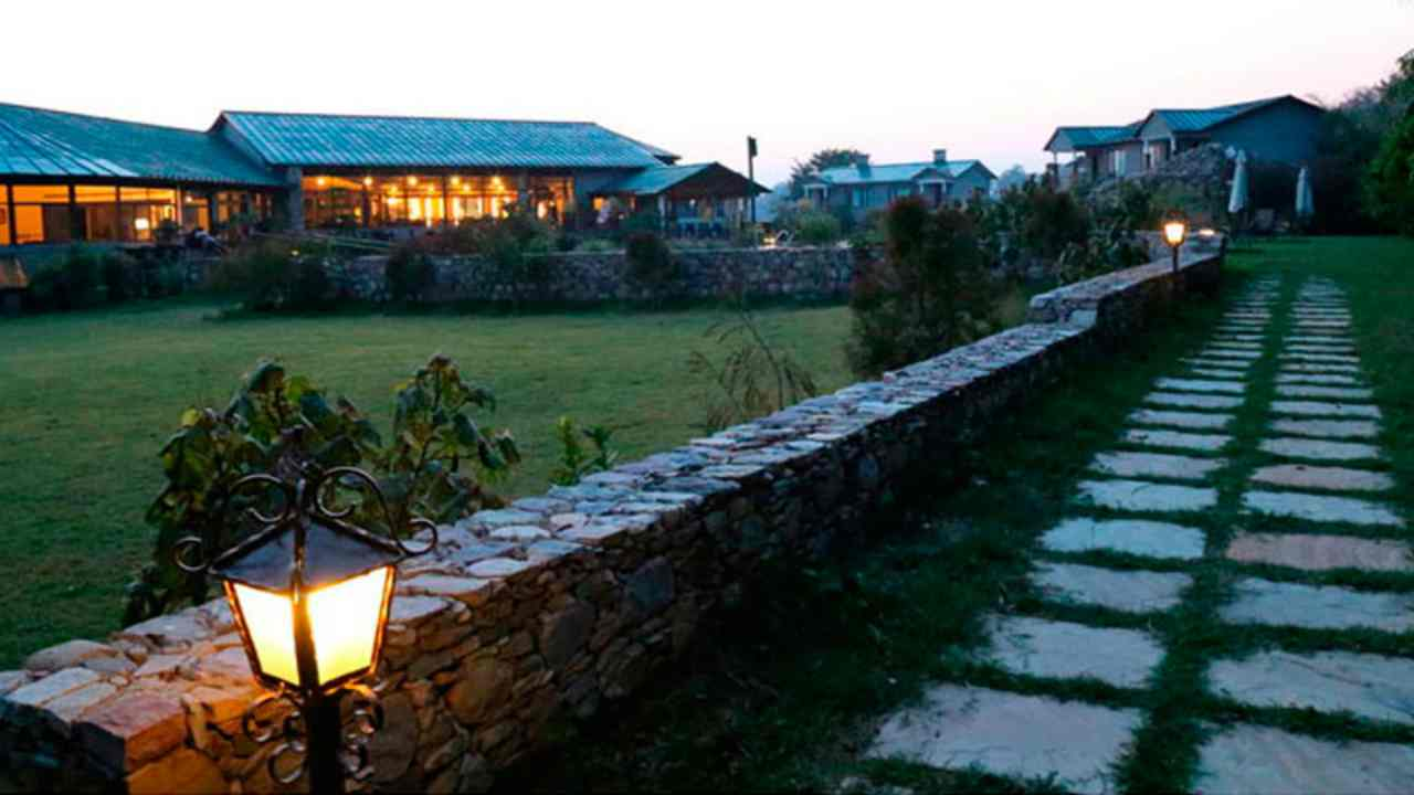 Aahana - The Corbett Wilderness | As the name suggests, resort is situated amid the sprawling Tiger Reserve in Ramnagar, near Nainital. The resort is ranked eighth on the list. The resort organises Jungle Safari and Nature Walk for its guests. Apart from that there are facilities like golf course, pool table, swimming pool and other indoor games to indulge oneself.