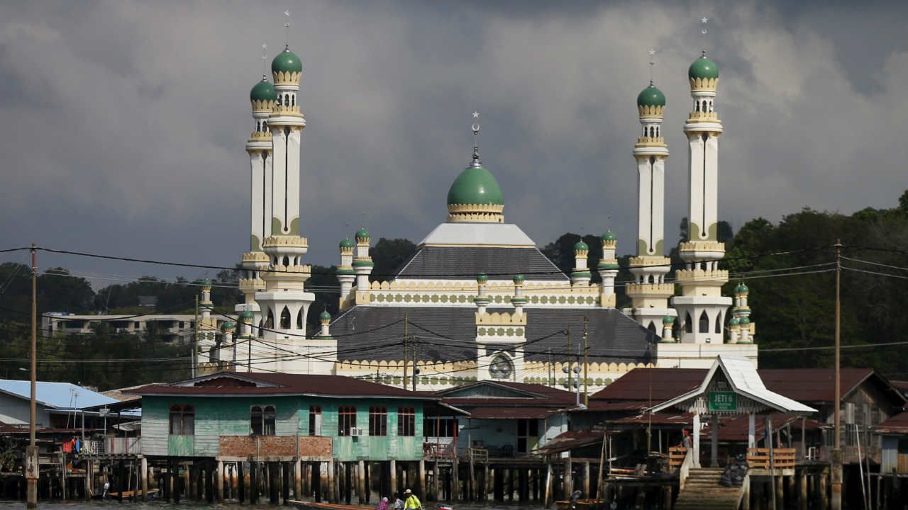 No. 4 | Brunei: USD 76,740 | The Sultanate of Brunei Darussalam is one of the richest countries in the world courtesy its large oil reserves. The tiny country, situated adjacent to Malaysia, has a population of just over 400,000 people. (Image: Reuters)