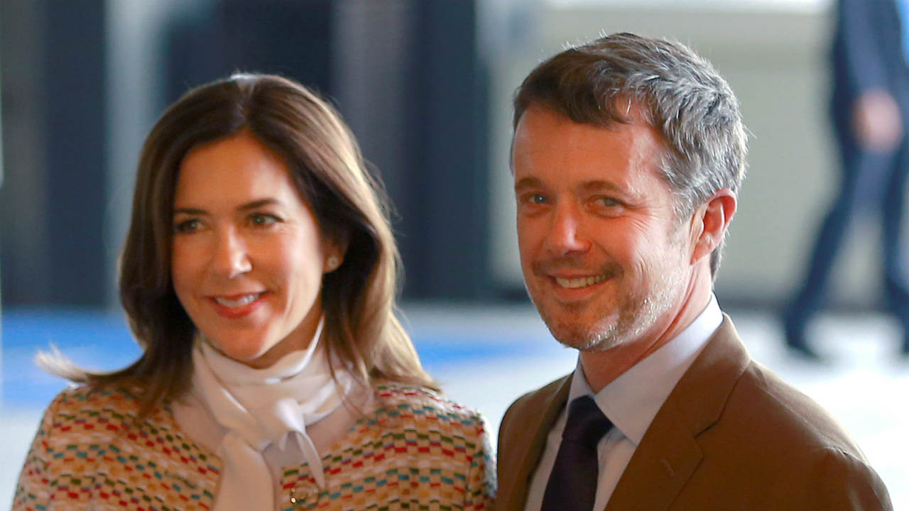 The Crown Prince and Princess of Denmark | Crown Prince Frederik met Australian Mary Donaldson at the Slip Inn during the 2000 Summer Olympics in Sydney. They married in Copenhagen on May 14, 2014.(Image: REUTERS)