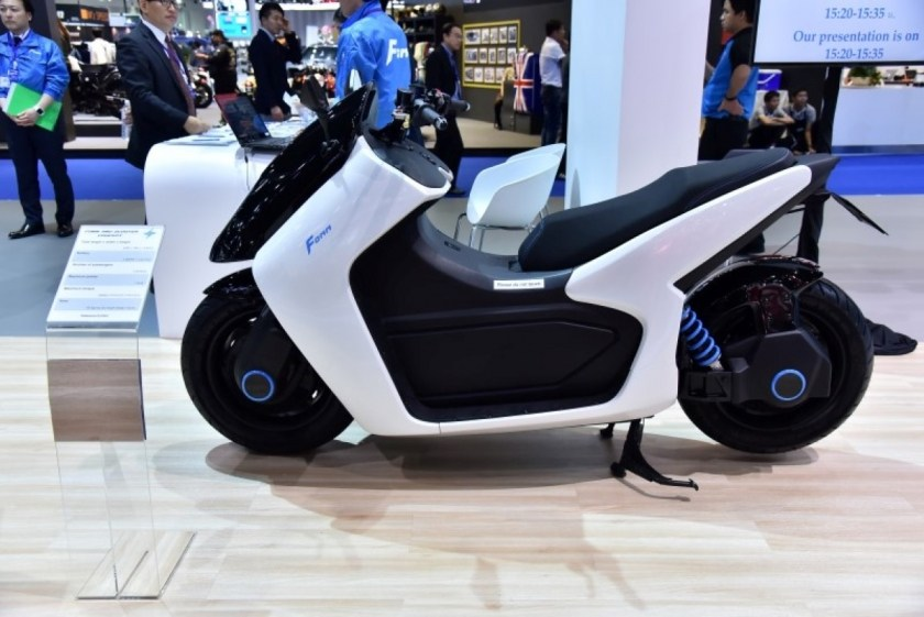 Another Indian electric two-wheeler manufacturer, Li-ions Elektrik Solutions Pvt. Ltd. made its debut in the segment with the Spock. It gets a 2.9 kWh lithium-ion swappable battery and brushless DC Hub motor which makes 2.1 kW of peak power and 1.2 kW of continuous power. It has a top speed of 45 km/h due to its 72 V 40 Ah lithium battery. The e-scooter can cover 130 km on a single charge when in Economy mode, but it is reduced to 100 km when in Power mode. It also gets GPS fitment and USB charging for mobile devices. (Representative Image)