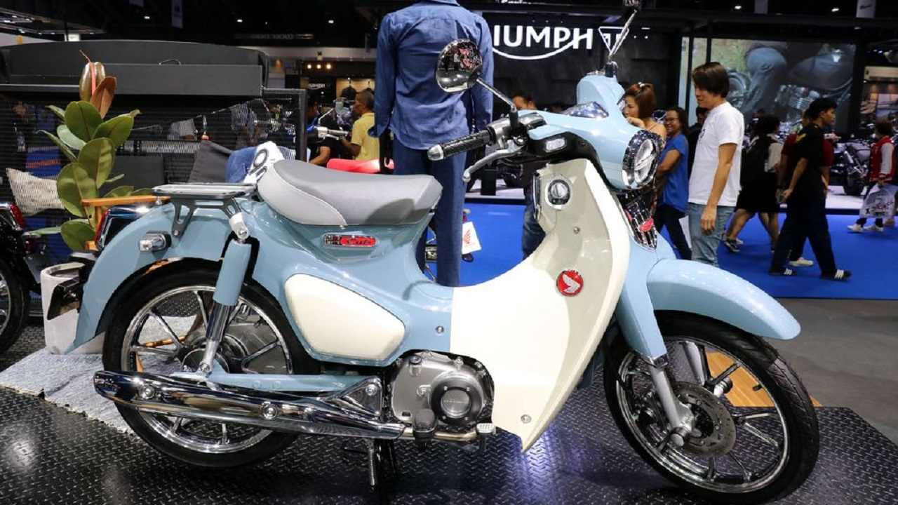 Honda Super Cub 125 | The highlight of this year's edition of the motor show in Bangkok was the yesteryear's bike Honda Super Cub's 2018 edition 125 cc edition. The bike has been in production since 1958 and in 2017 Honda produced about 100-million of these – which says a lot about its popularity even now. On the specs front it has little to offer as it carries its 1958 model's tenets. Pure Nostalgia!