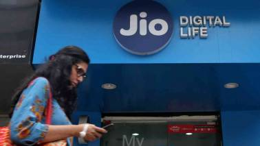 Reliance Jio, BSNL drive telecom subscriber base to 1,183.77 mn in April