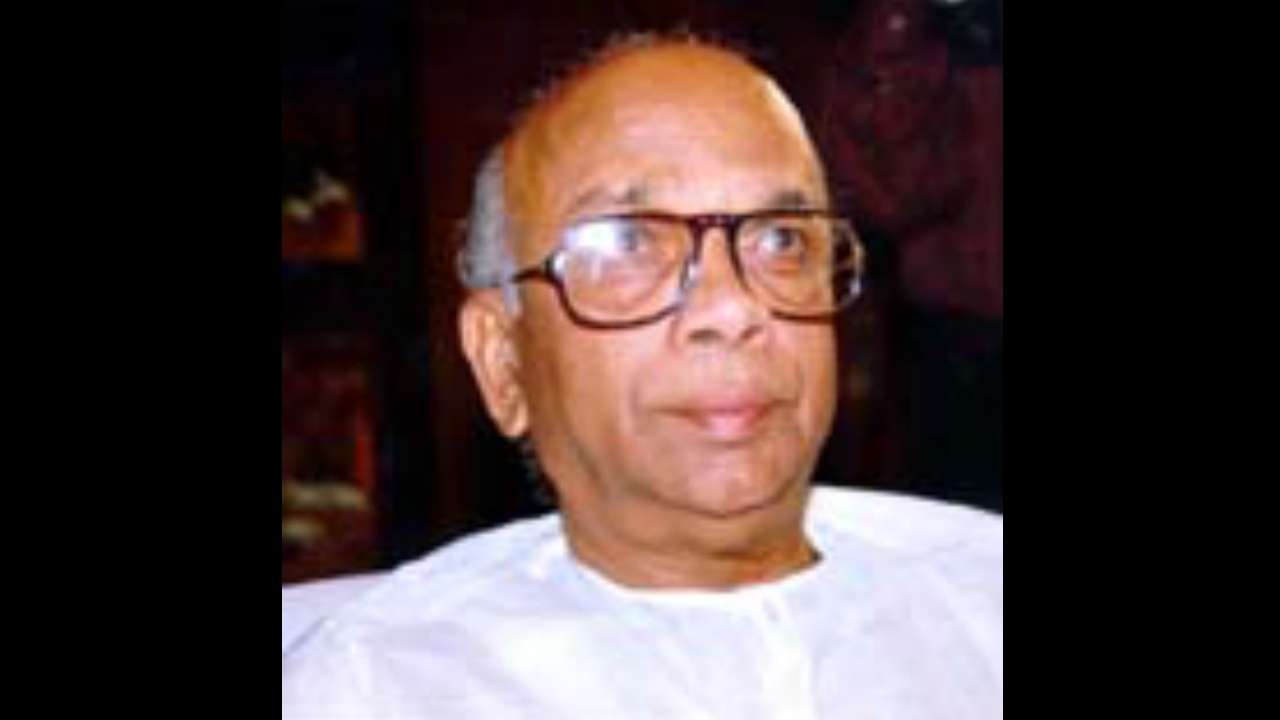 JH Patel (1996-99: 3 years, 129 days): A quintessential politician who publicly acknowledged his love for wine and women, he had to weather turbulent times in Janata Dal, after Hegde and Gowda fell apart. His Lingayat credentials helped him to hold on to his chair till the elections in 1999, which he lost, and died a year later. (Picture: Karnataka.com)