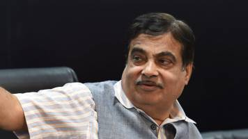 Nitin Gadkari flags off first container mainline vessel in Tuticorin
