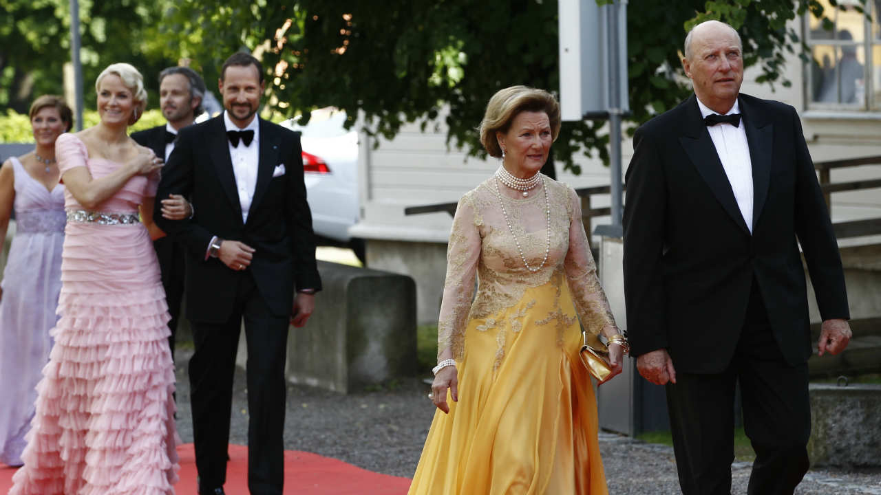 The King and Queen of Norway | The then-Crown Prince Harald told told his father King Olav V that he would not marry anyone but Sonja Haraldsen, who he dated of years. This had put Norway's throne in jeopardy as Harald was the sole heir. (Image: Reuters)