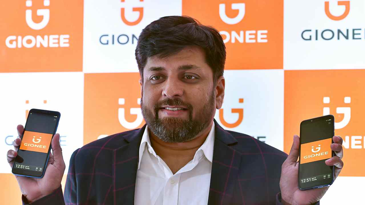 Director National Sales, Gionee India Alok Srivastava launches New Gionee (F205 and S11Lite) smartphones in New Delhi on Thursday. (PTI)