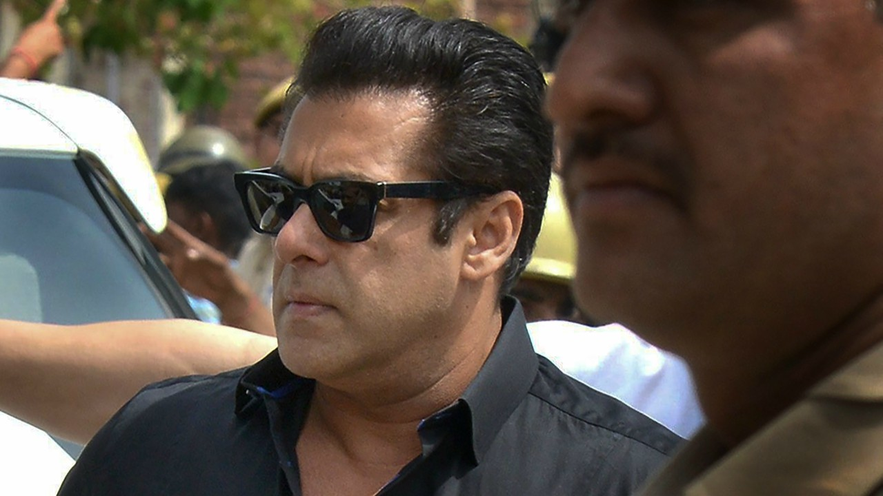 Bollywood actor Salman Khan arrives at the court for a hearing in the Black Buck hunting case, in Jodhpur. (PTIBollywood actor Salman Khan arrives at the court for a hearing in the Black Buck hunting case, in Jodhpur. (PTI