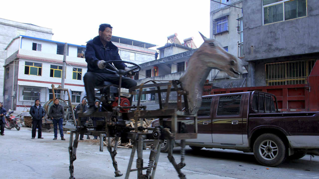 This home-made mechanical horse vehicle was made by Su Daocheng on a street in Shiyan, Hubei province. Su spent 2 months making this 1.5 metre high and 2 metre long horse, which weighed 250 kilograms with 4 legs and 2 supportive wheels, local media reported. (REUTERS)