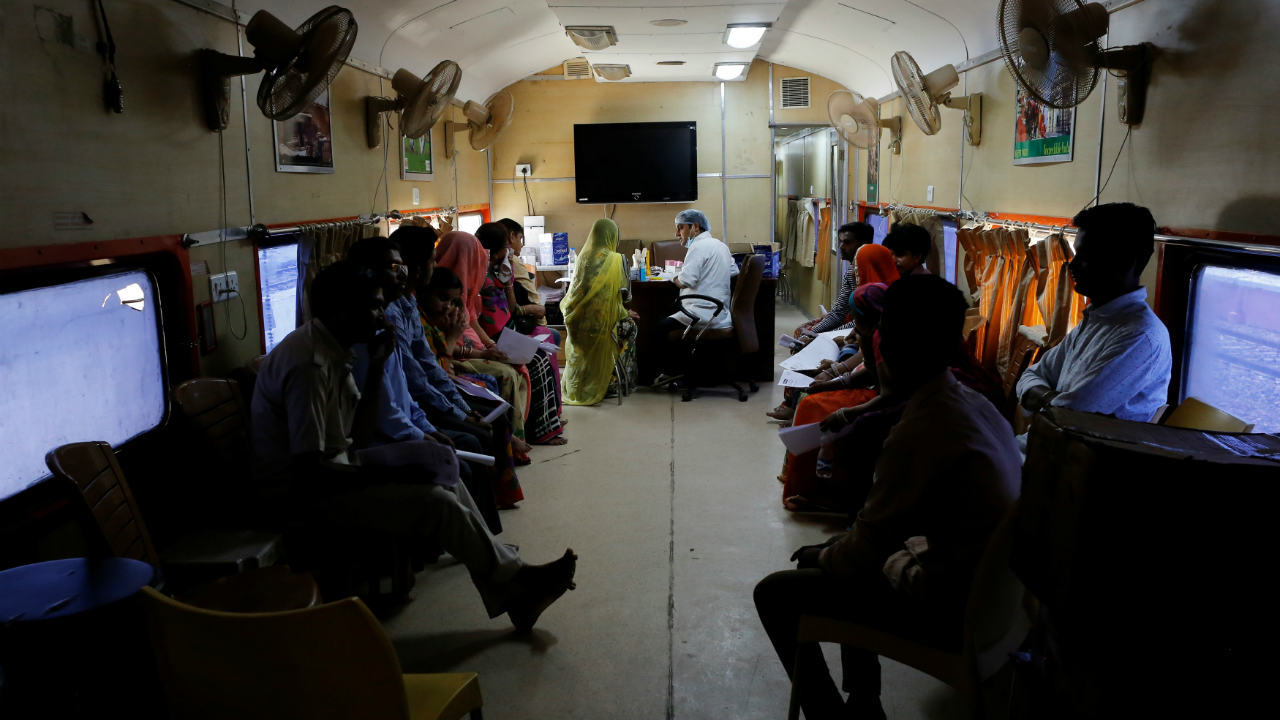 The train gives volunteer doctors and medical students an opportunity to hone their skills while doing satisfying community work. (Image: Reuters)