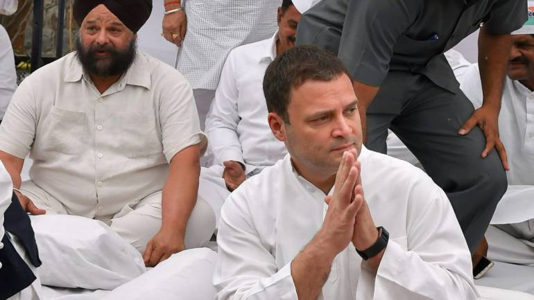 Kathua, Unnao rape cases: Rahul Gandhi leads midnight protest at India Gate