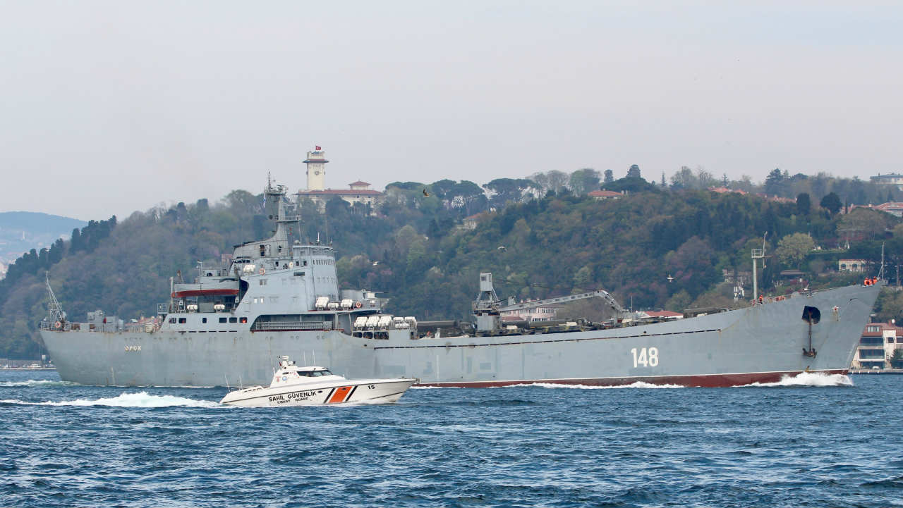 The Russian Navy's large landing ship Orsk sails in the Bosphorus, on its way to the Mediterranean Sea, in Istanbul, Turkey. (Photo: Reuters)