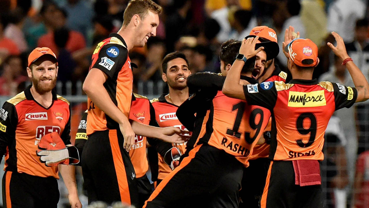 BILLY STANLAKE: BASE PRICE - Rs 50 LAKH | Picked for his lethal bouncers and speeds close to 150 mph, Stanlake surprised everyone by winning a game for Sunrisers with the bat against the Mumbai Indians, hitting a four off the very last ball. Stanlake's season with Hyderabad was cut short due to a fractured finger which forced him to return to Australia for surgery. However, in his four matches Stanlake troubled batsmen with his searing pace and disconcerting bounce. He picked up five wickets from four games with an economy rate of 8.12 despite taking on the bowling responsibilities in the Powerplay and death overs. His early departure was a big loss to SRH and they will be eagerly following his career with an eye on IPL 2019 where they could either retain or play the 'Right to Match' card to hold onto the extremely tall fast bowler.