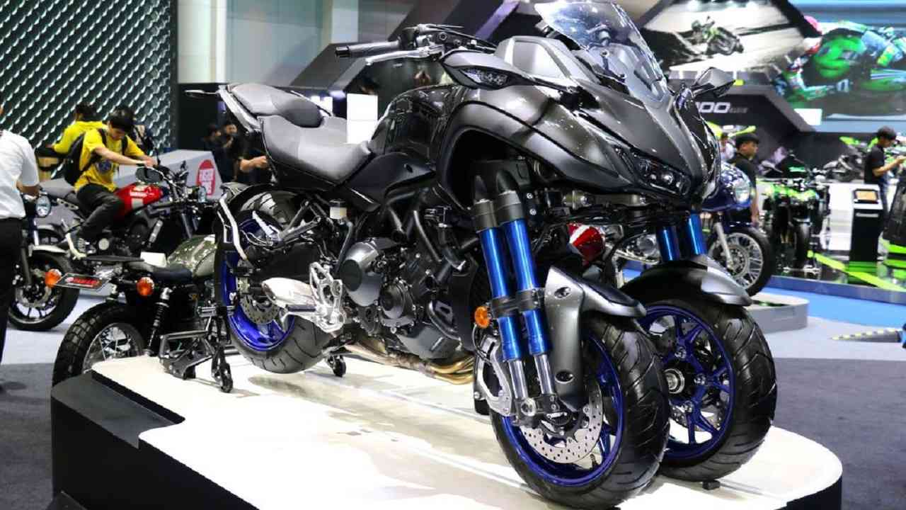 Yamaha Niken | Perhaps the most unique of them all is the tri-wheeled marvel from Yamaha. It is 850cc and has a maximum torque of 87.5 Nm. The rare two wheels at the front give you extra stability on turns. Its fuel tank capacity is 18 litres. It has 6 gears and has a top speed of above 160 kmph. (Pictures: www.bangkok-motorshow.com/bangkokmotorshow/)