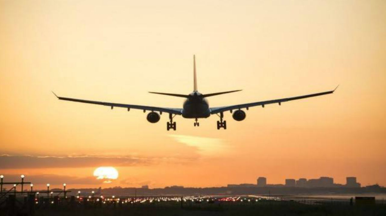 You have around 90 seconds to escape an airplane in case it catches fire. Chances of survival after two minutes are extremely slim. (Representational image: Reuters)