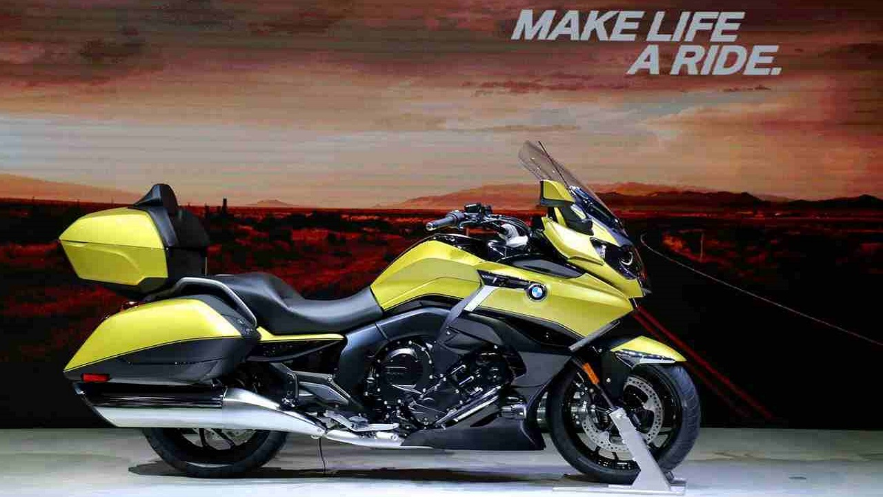 BMW K1600 Grand America | Firstly, BMW's 1649cc-beast the K1600 Grand America. This luxury touring bike featured at the show has a 6-cylinder in-line engine with a top speed of 162 kmph that has a maximum torque of 175 Nm. The usable fuel tank volume is a whopping 26.5 litres. It has a 6-speed gearbox. The bike been launched by the company in two versions – black storm metallic and Austin Yellow metallic.