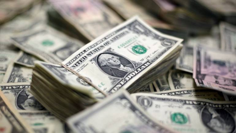 us dollar to keep currency crown this year but not next reuters