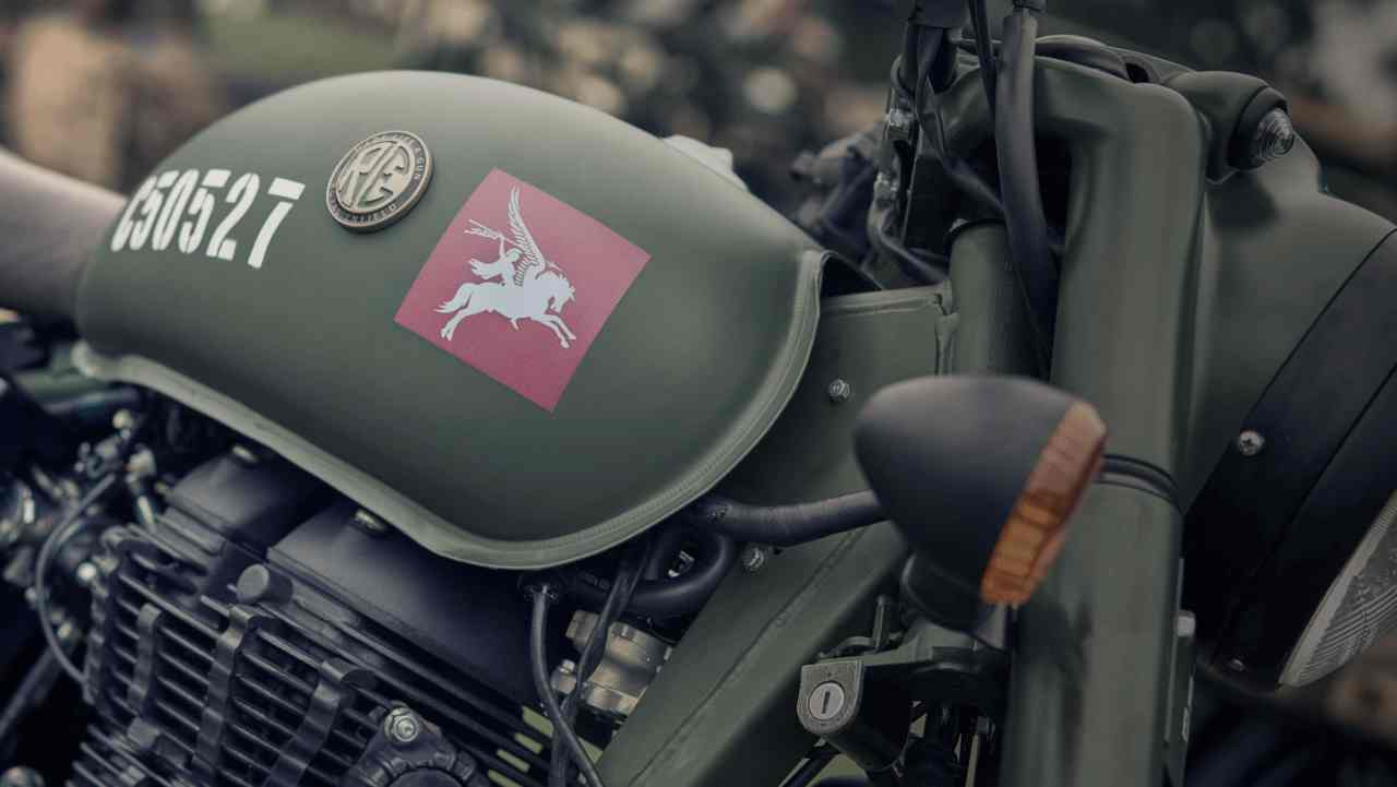 The bikes come bearing the famous Pegasus insignia—the official symbol used by the Parachute Regiment of the British Army. Apart from that, each bike will come with other military markers which include brown handlebar grips, a leather strap with a brass buckle across the air filter, blacked out silencers, dual saddle bags to complete its period look.