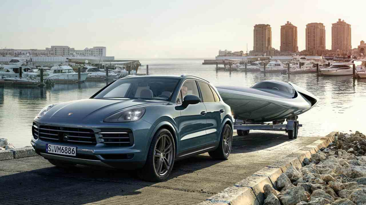 The new model is also lighter by 65kg than its predecessor thanks to its aluminium body. From the exterior, there is not much change and it is styled similar to the 2nd generation Cayenne.