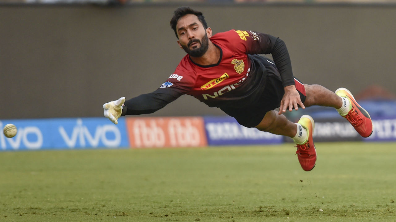 Kolkata's skipper Dinesh Karthik finished as the wicket keeper with the most number of catches, having effected 14 dismissals with his catches behind the stumps. DK who had a good season behind the stumps for Kolkata, even finished with four stumpings, the highest among wicket keepers this IPL.