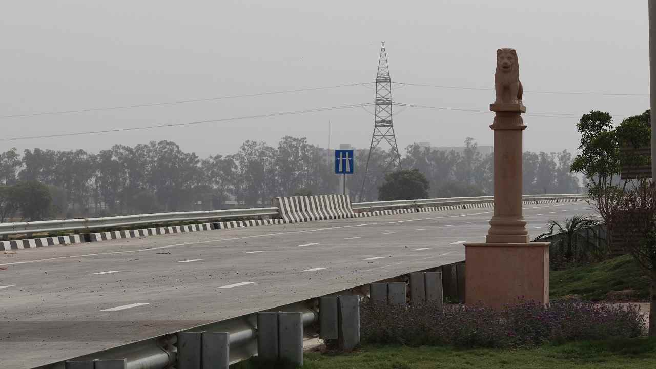 Glimpses of India | Miniatures of about 36 monuments have been set up along the expressway, including Ashoka lion, Konark Temple, Jallianwala Bagh, Ashoka Chakra, Gateway of India, Qutab Minar, Char Minar, Lal Quila, Kirti Stambh, India Gate and Hawa Mahal to give riders a pan-India experience. The NHAI has also set up a digital gallery at the toll plaza to showcase engineering marvels build by it. The construction of the EPE has been completed and will be thrown open to the public after May 27. The pictures in the slideshow were taken in April.