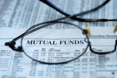 Mutual fund inflow rises 43% to Rs 1.4 lakh cr in Q1: Amfi