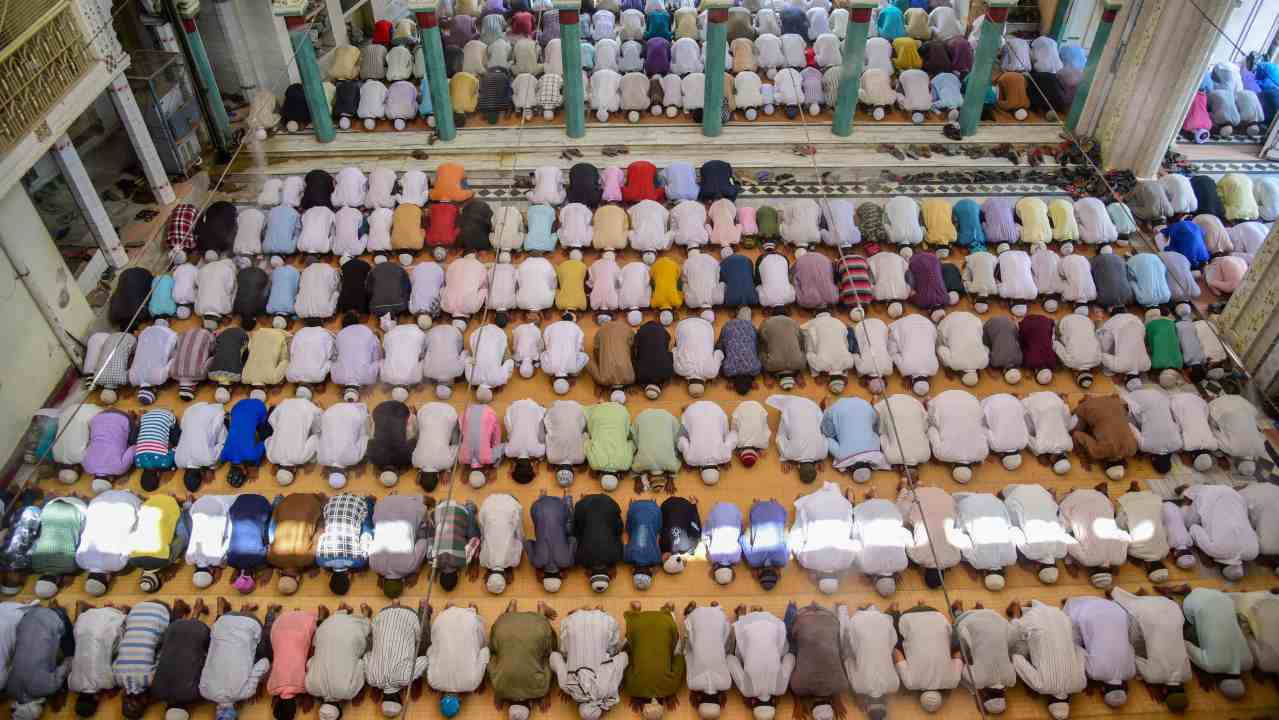 People offer prayers at the historic Washi Ullah mosque on the first Friday of Ramadan, in Allahabad. (PTI)