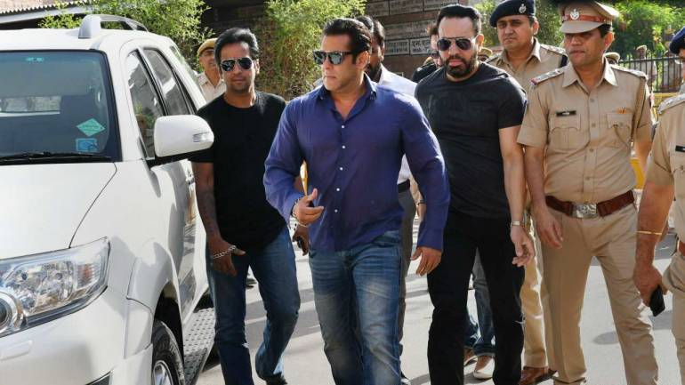 Bollywood actor Salman Khan arrives at Jodhpur Session Court for a hearing on black buck poaching case on Monday. (PTI)